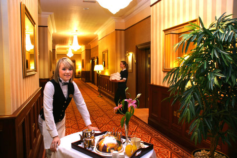 Harvey's Point Hotel - Room Service