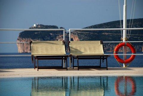 Hotel El Faro - pools area
