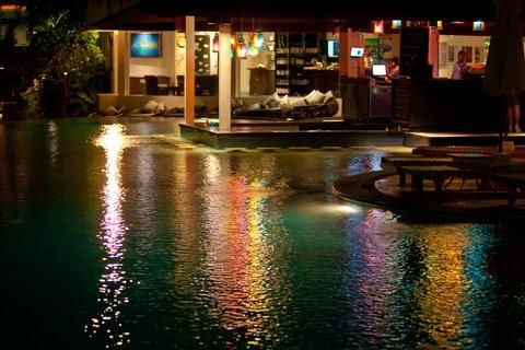 The Breezes Bali Resort & Spa - Pool Bar at The Breezes Bali Resort and Spa