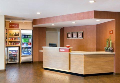 TownePlace Suites Miami Lakes - Front Desk