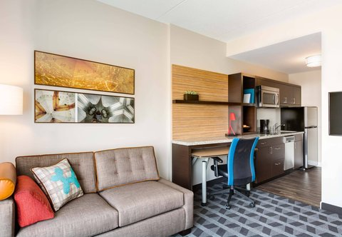 TownePlace Suites Miami Lakes - Home Office  Desk