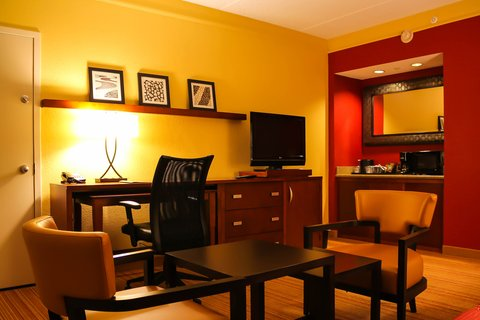 Country Inn & Suites By Carlson, Dallas-Love Field (Medical Center), TX - Suite