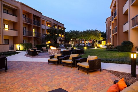 Country Inn & Suites By Carlson, Dallas-Love Field (Medical Center), TX - Patio