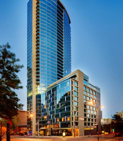 Courtyard Downtown Marriott - Exterior