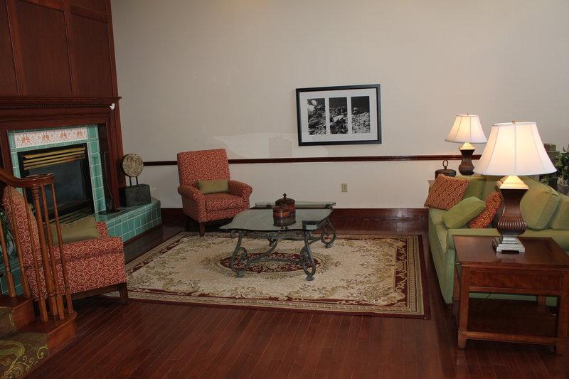 Country Inn & Suites Beckley - Beckley, WV