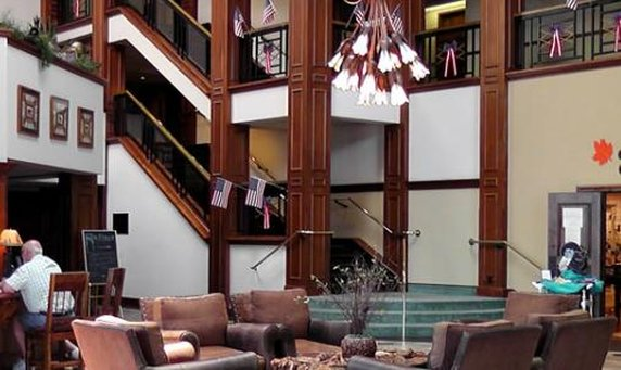 Lodge of the ozarks in branson mo 65616 citysearch for 417 salon branson west