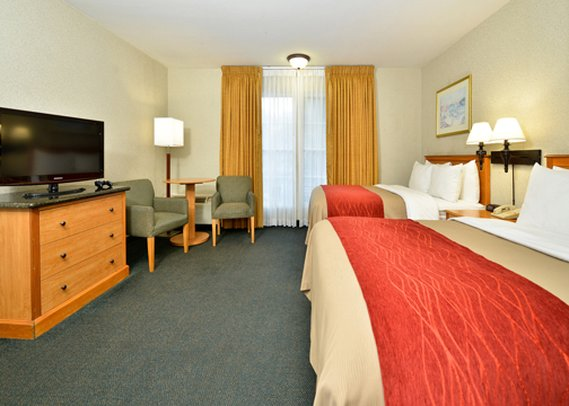 Comfort Inn &amp; Suites Hotel Circle Seaworld Area
