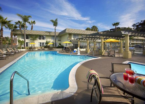 Comfort Inn & Suites - San Diego, CA