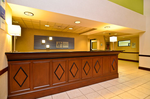 Holiday Inn Express ATLANTA NE - I-85 CLAIRMONT - Front Desk