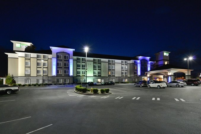 Holiday Inn Express & Suites TACOMA SOUTH - LAKEWOOD - Lakewood, WA