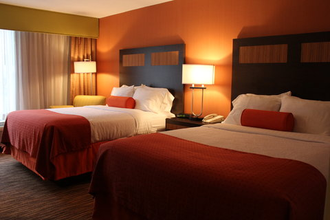 Holiday Inn DANBURY-BETHEL @ I-84 - Two Queen Beds Guest Room