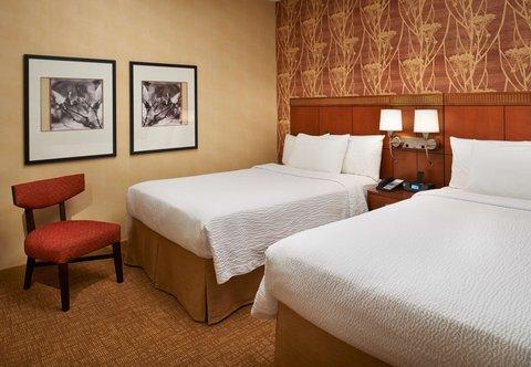 哥伦布沃辛顿万怡酒店 - Double Double Suite Bedroom