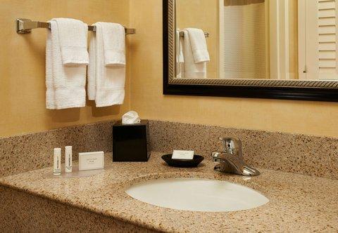 哥伦布沃辛顿万怡酒店 - Suite Bathroom