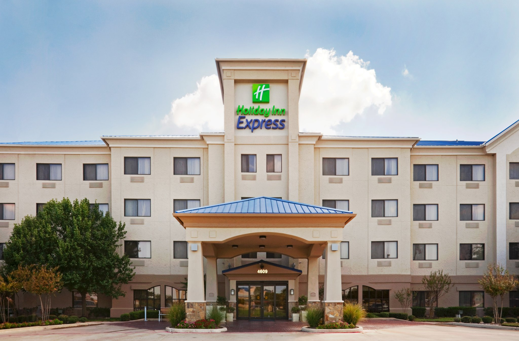 Holiday Inn Express Hotel & Suites SW