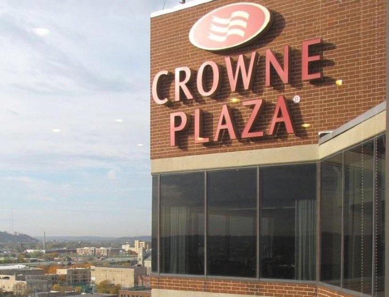 Crowne Plaza Hotel  Dayton Außenansicht