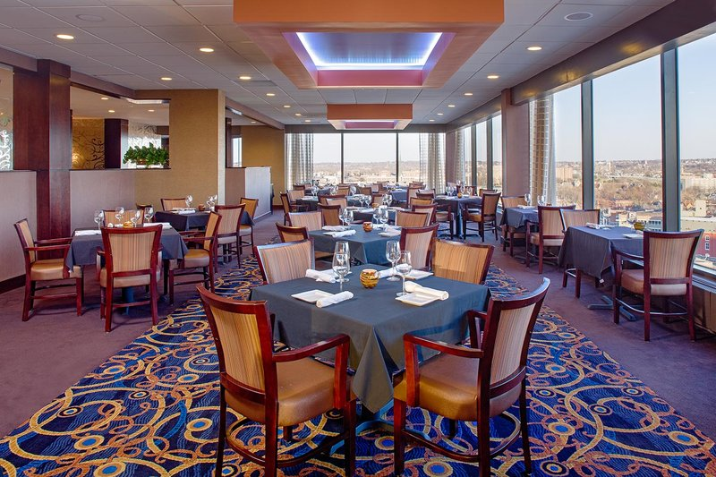 Crowne Plaza Hotel  Dayton Gastronomie