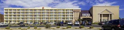 Ramada Plaza Nags Head Oceanfront - Exterior West side view