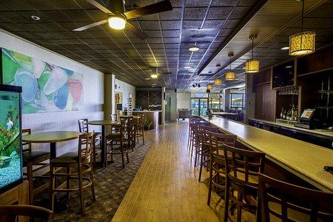 Ramada Plaza Nags Head Oceanfront - Peppercorns Lounge