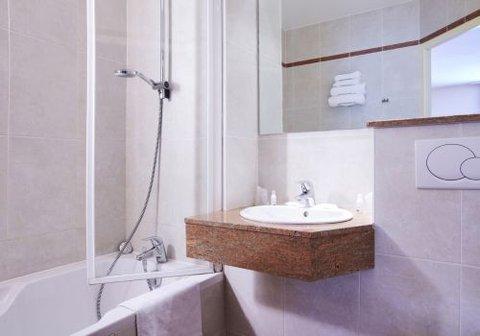 Kyriad - Nimes Ouest - Bathroom
