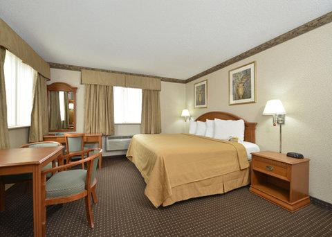 Econo Lodge - guest room