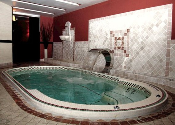 Quality Hotel Reims Europe Poolansicht