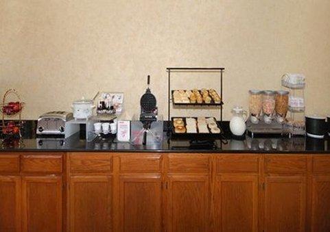 Comfort Inn Van Buren 餐饮设施