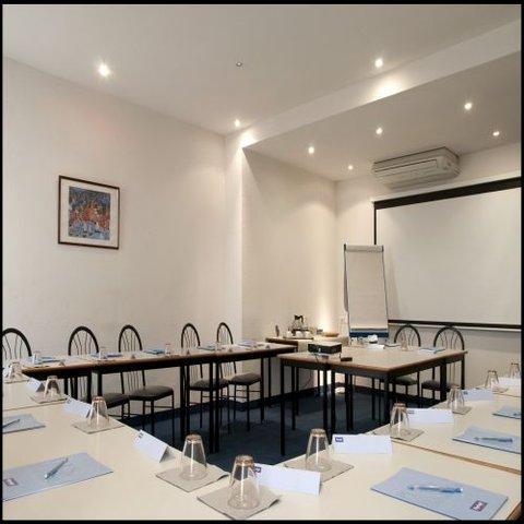 Hotel Kyriad Sete Balaruc - Meeting Room