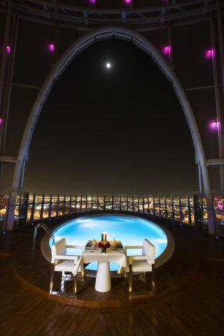 الشعلة الدوحة - Dinner at Heights