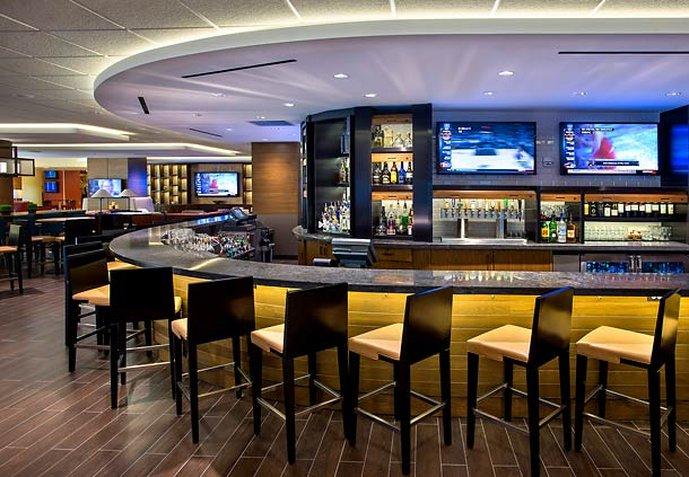 Newark Liberty International Airport Marriott Bar/Lounge