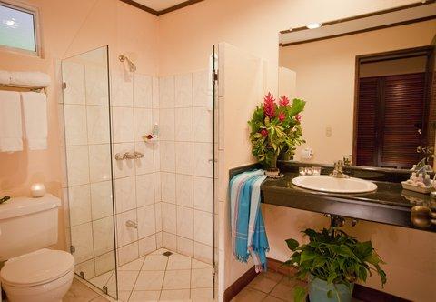 Parador Resort & Spa - GardenBathroom