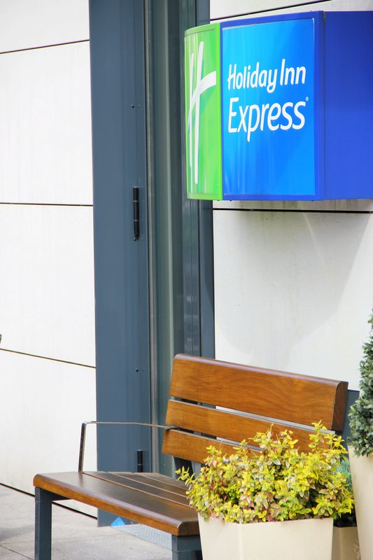 Holiday Inn Express Dresden City Centre 外観