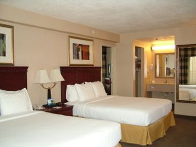 Baymont Inn & Suites Anaheim - Two Queen Bed Room