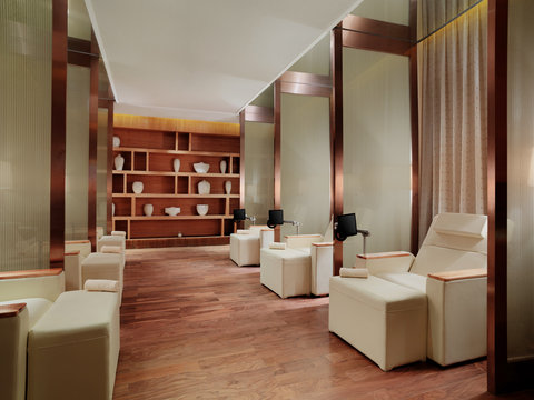 Four Points by Sheraton Dongpu - The Revive Spa Foot Massage Area