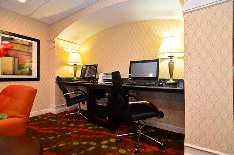 Holiday Inn Express ATLANTA-STONE MOUNTAIN - Business Center
