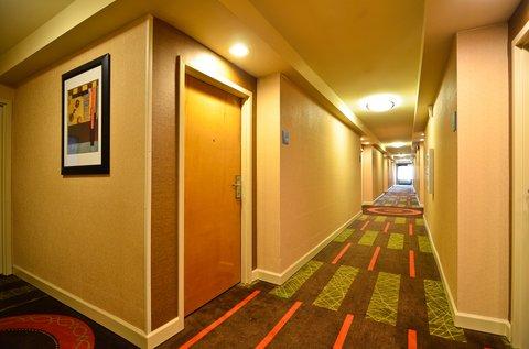 Holiday Inn Express ATLANTA-STONE MOUNTAIN - Hallway