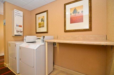 Holiday Inn Express ATLANTA-STONE MOUNTAIN - Laundry Facility