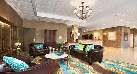 Wyndham Garden Wichita Downtown - Lobby