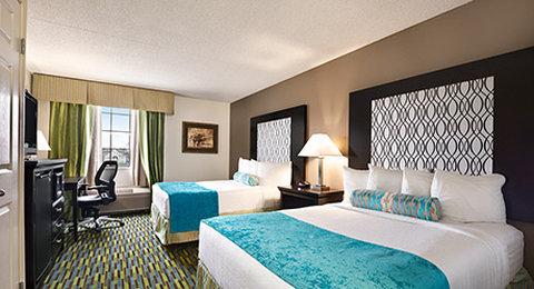 Wyndham Garden Wichita Downtown - 2 Double Room