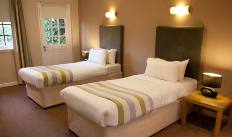 Castlecary Hotel - Guest Room 1