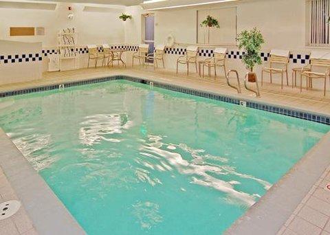 Comfort Inn Downtown Near Lake Coeur D'Alene - pool