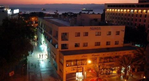 فندق وأجنحة اكوافيستا - Exterior by night