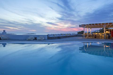 Boheme Hotel - Restaurant Pool