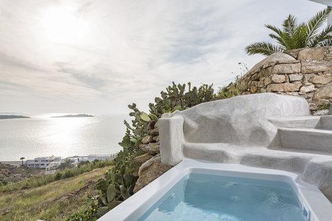 Boheme Hotel - Outdoor Jacuzzi