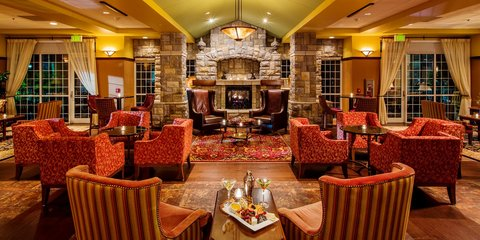Chateau on the Lake Resort and Spa - Library Lounge