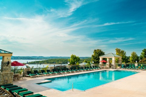 Chateau on the Lake Resort and Spa - Swimming Pool
