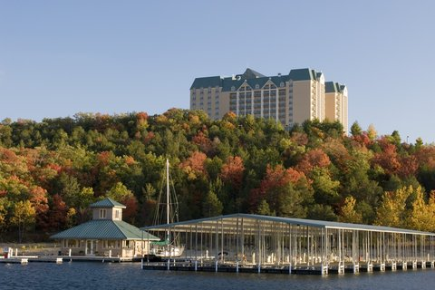 Chateau on the Lake Resort and Spa - Marina
