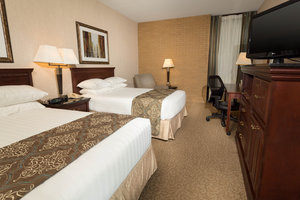 Room - Drury Inn & Suites East Louisville