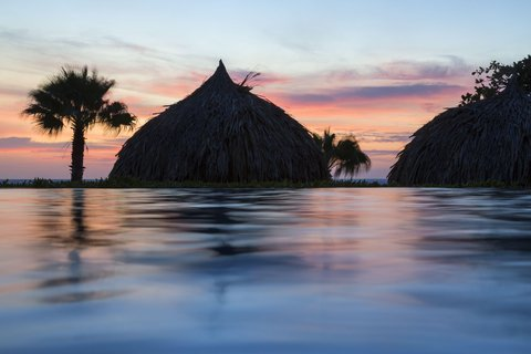 Curacao Hilton Hotel - Infinity Pool