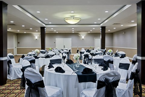 Holiday Inn Hotel & Suites ANAHEIM - FULLERTON - Royal Ballroom  for that Special Occasion