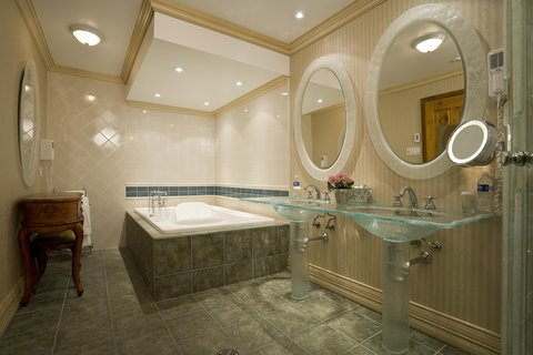 Les Trois Tilleuls & Spa Givenchy Hotel - Barette SNK